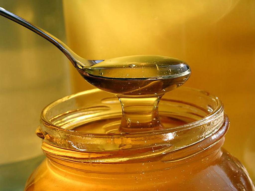 Сколько меда можно есть в день и с чем его лучше употреблять? (2 фото)
