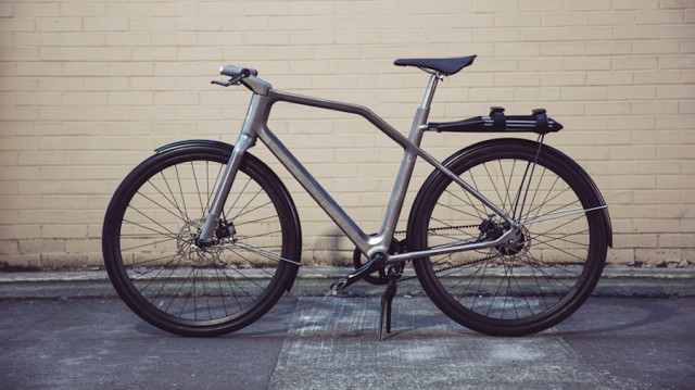Connected 3D-Printed Titanium Bike