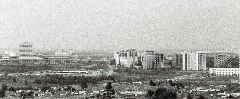 1982 Озерная площадь.jpg