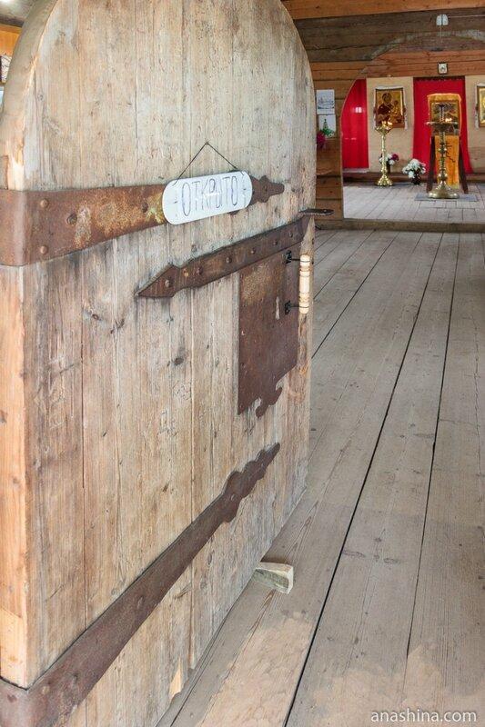 Дверь, храм Тихвинской иконы Божией Матери, Торжок