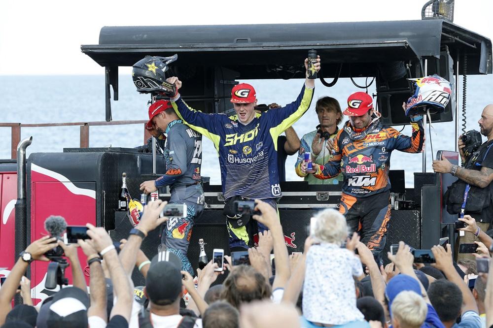 Билли Болт выиграл гонку Red Bull Sea to Sky Beach 2017
