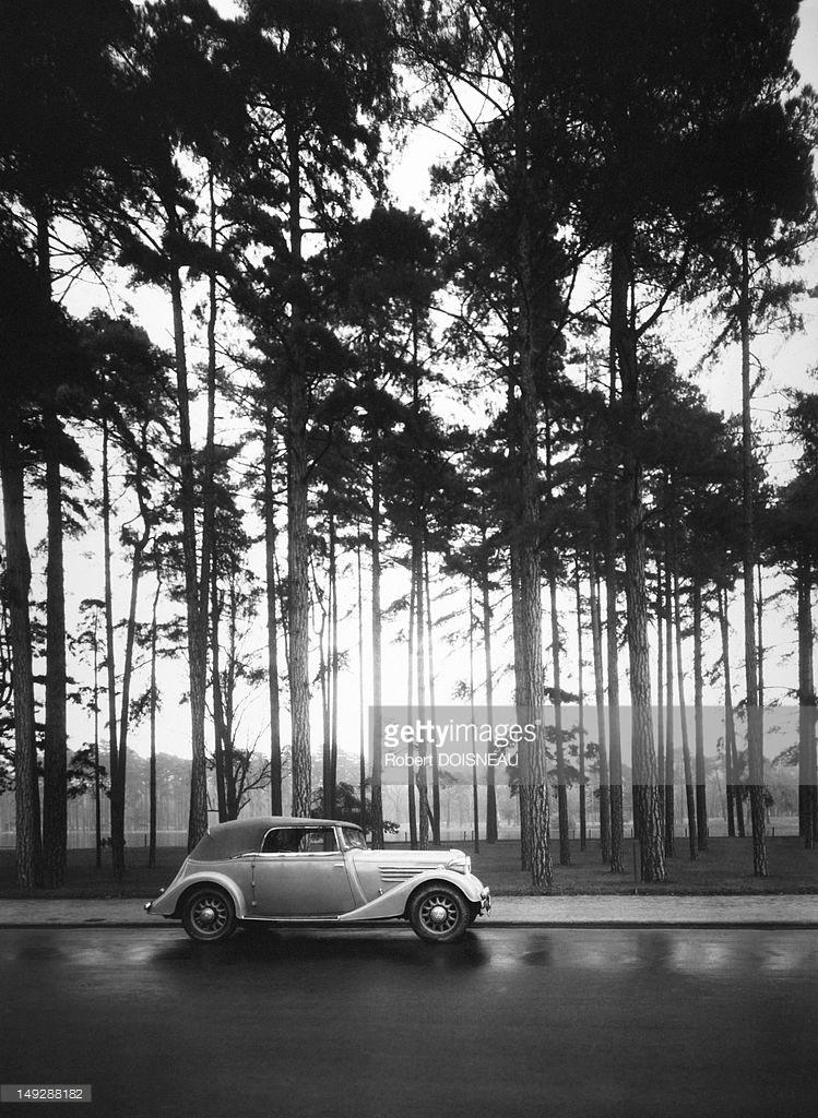 1930. Автомобиль Рено