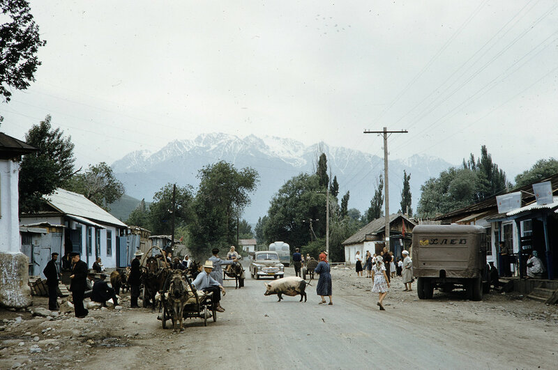 1959 Алма-Ата. Harrison Forman.jpg