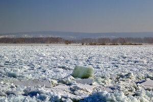 На Амуре начался ледостав - жителей  предупреждают о соблюдении мер безопасности