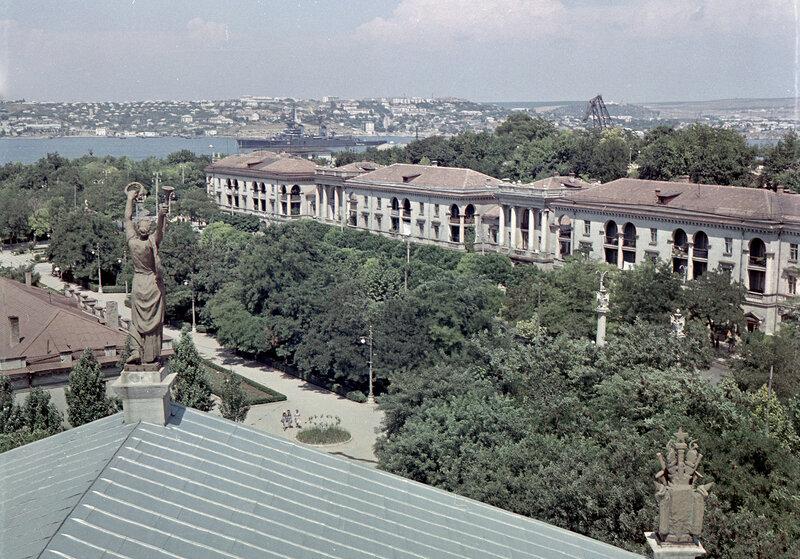 1973 Вид на проспект Нахимова.jpg