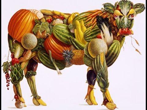 1 ноября. Всемирный день вегана. Корова из овощей и фруктов