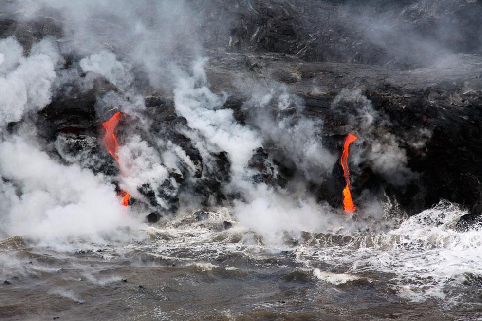 Извержение вулкана Килауэа на Гавайях, 20 апреля 2013. (Фото USGS   Hawaiian Volcano Observator