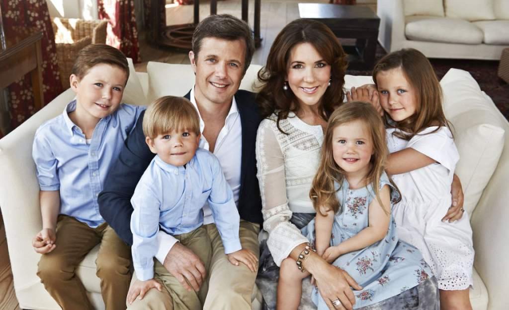 У наследного принца Дании Фредерика и его жены Мэри четверо.