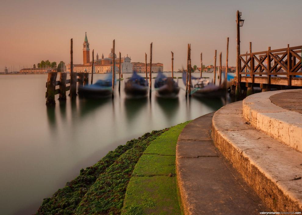 13. Утренний вид на Мост Вздохов и фрагмент Базилики Санта-Мария делла Салюте, Венеция, Итали