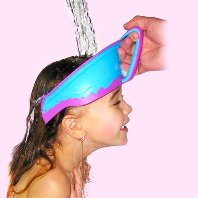 © aliexpress.com      Эта суперкаска на100% защитит вашего малыша отпопадания шампуня
