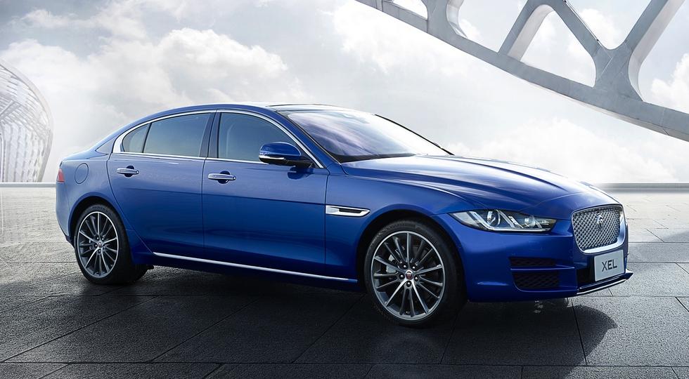 Jaguar показал новую версию седана XE (6 фото)
