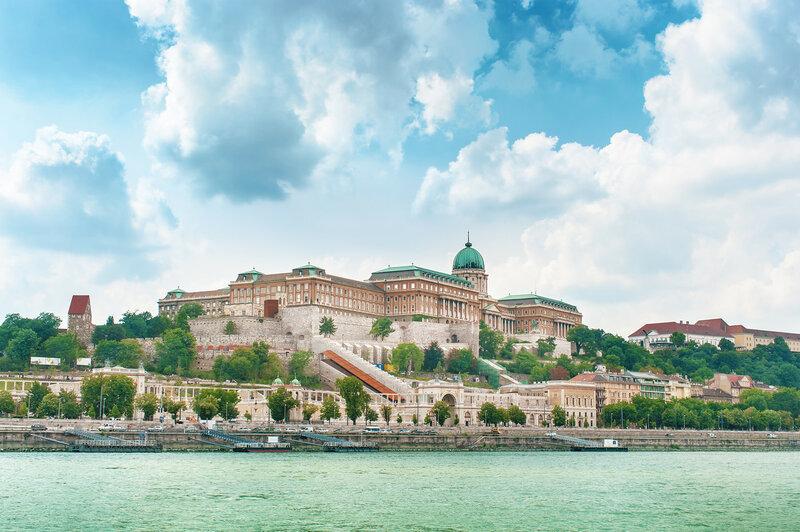 Вид на Будайскую крепость в Будапеште