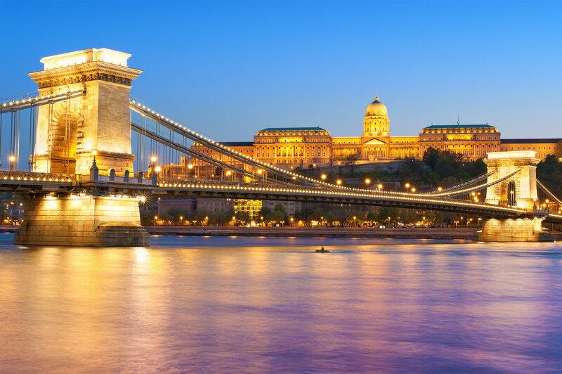 Будапешт. Цепной мост Сечени (Széchenyi lánchíd), построен в 1849 году
