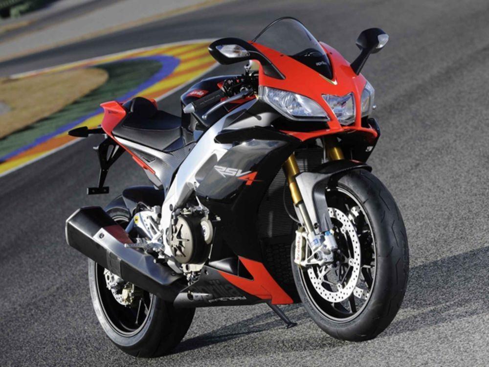 Мотоциклы  Aprilia RSV4 / Tuono отзывают из-за проблем с главным тормозным цилиндром