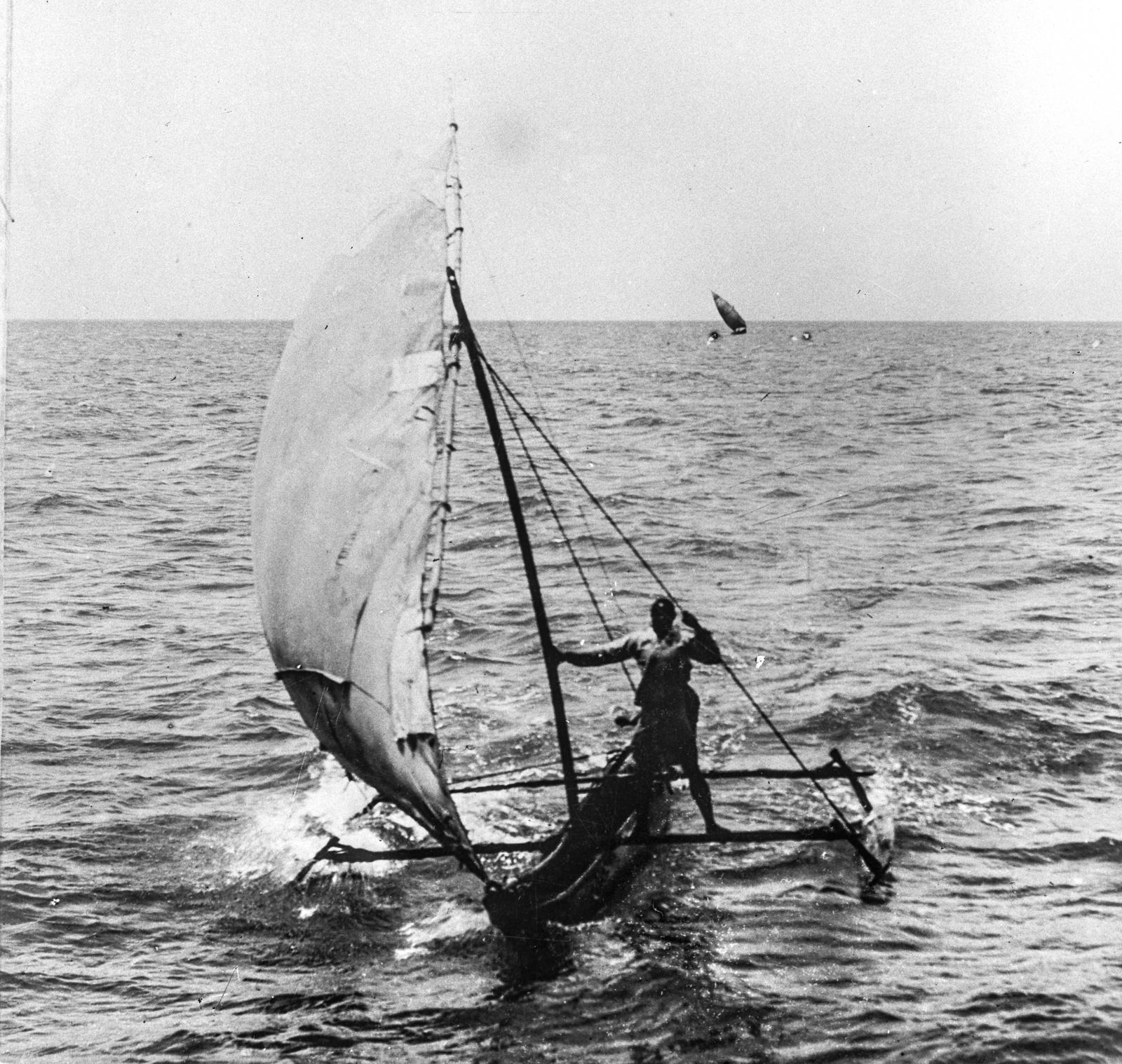 122. Лодка под парусом