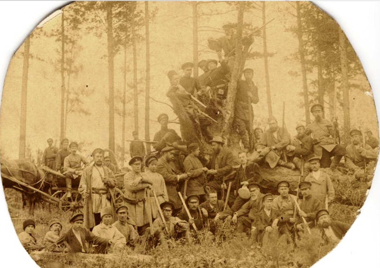 Группа мужчин на охоте. 1910-е