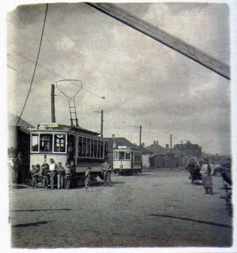 Трамвай на Петинской улице