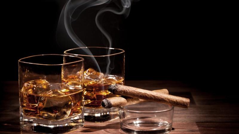 Чтобы было понятней, это не просто «подать заявку, поехать за границу, выпить виски». Три счастливых