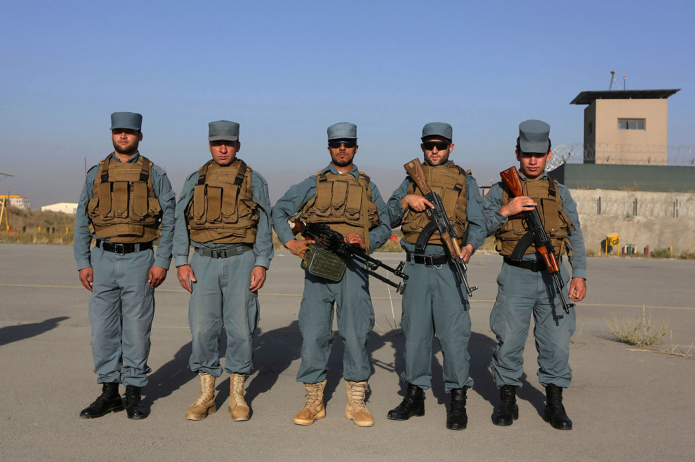 4. Афганский ОМОН. (Фото OMAR SOBHANI):