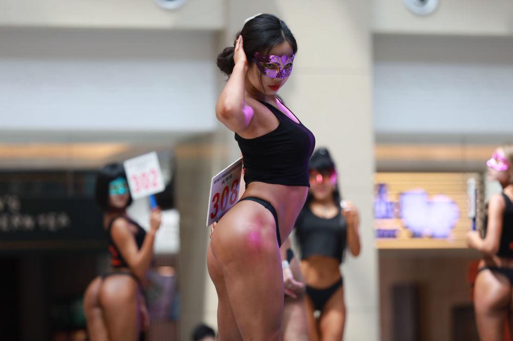 Красивые ягодицы: у Китая есть собственная версия конкурса Miss BumBum (12 фото) 18+