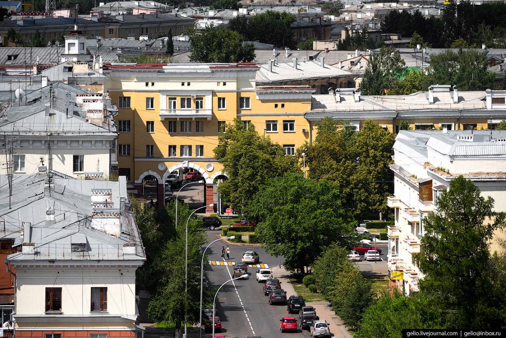 34. Весенняя — одна из старейших улиц современного Кемерова, до 1952 года называлась Больничной. Одн