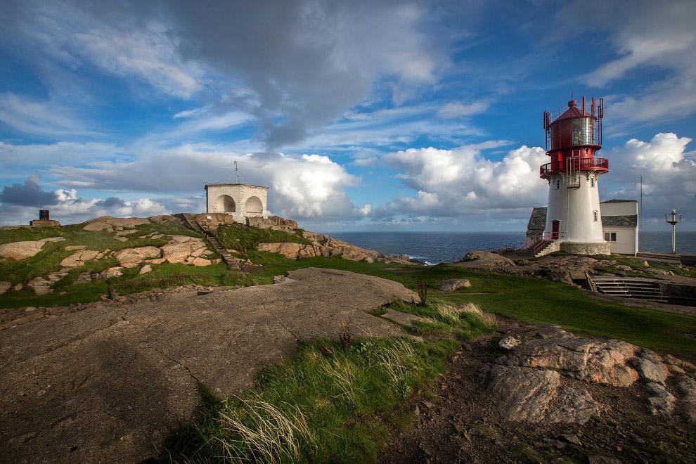 Отсюда любят отправляться в походы от самой южной точки норвежской земли до самой северной, мыса Нор