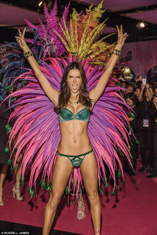 Victoria's Secret «ангелы» Victoria`s Secret книги модели показ мод фотографы