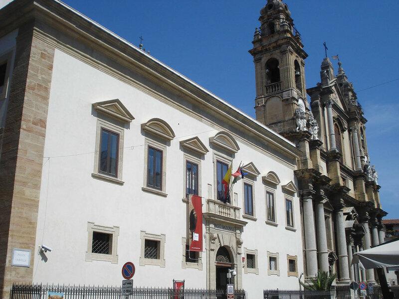 001-музей и церковь Оливелла.jpg