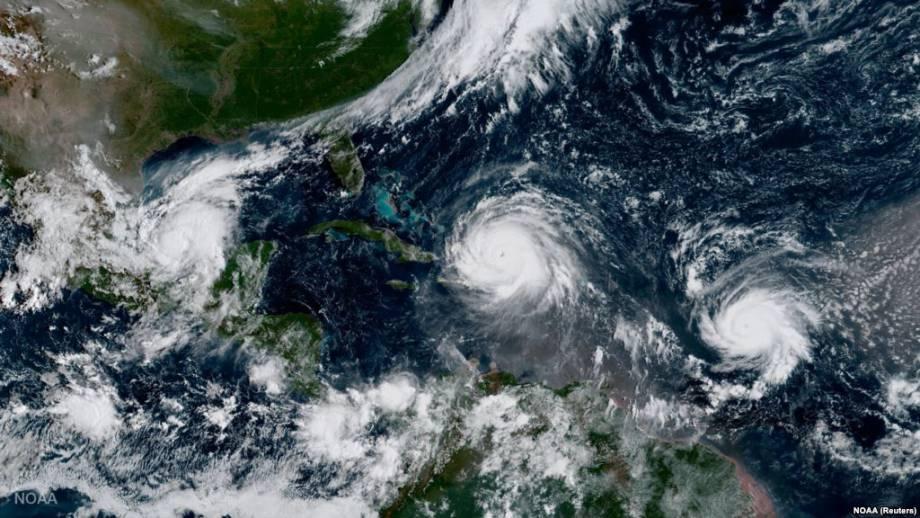 Ураган «Ирма» несколько ослабел на пути к Флориде