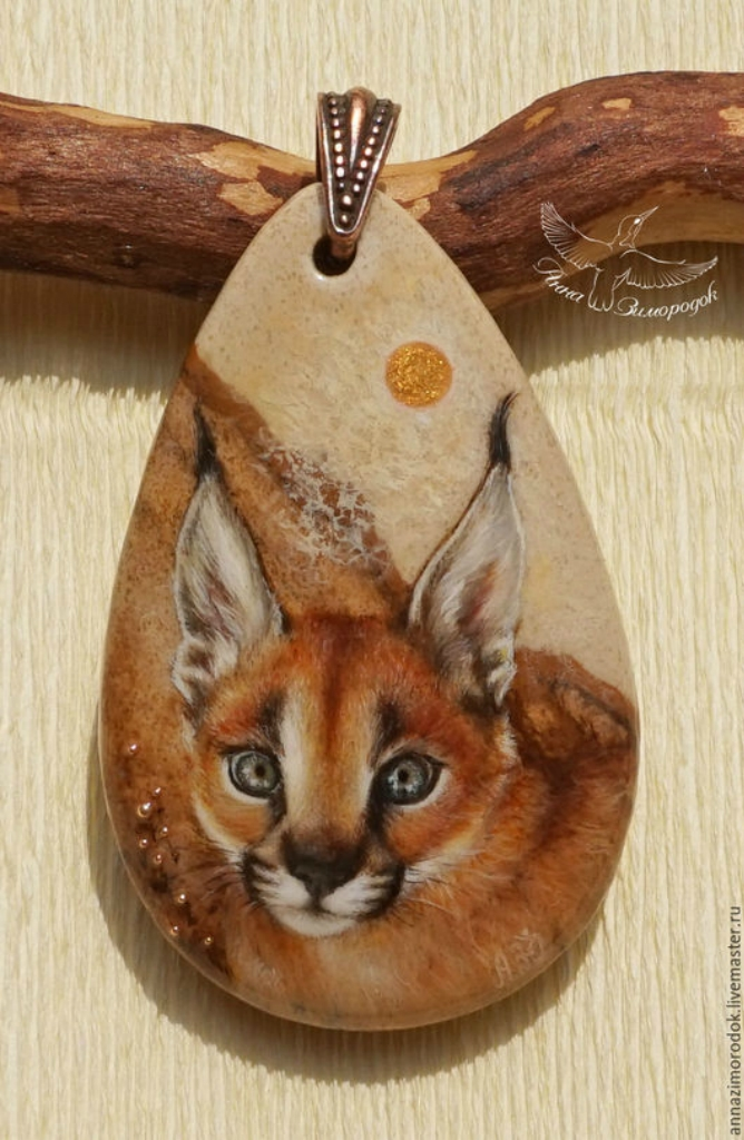4bd8397d199d6be82fbd9a1d47oz--jewelry-painted-pendant-lacquer-miniature-kitten-caracal-neck.jpg