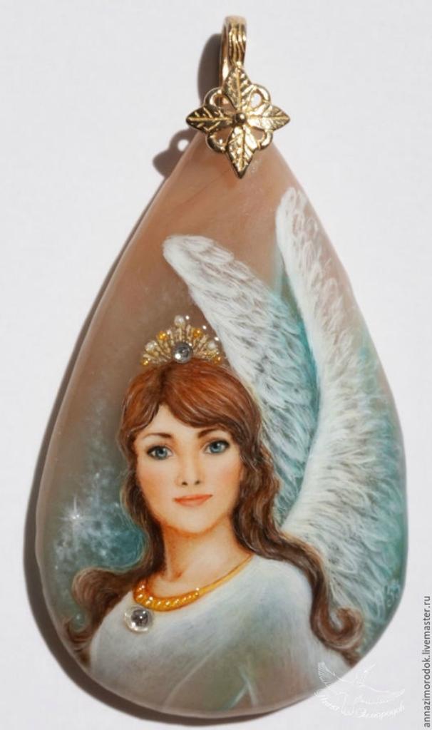 430d26386e13ea761e9f1b2270q6--jewelry-painted-pendant-lacquer-miniature-guardian-angel-neck.jpg