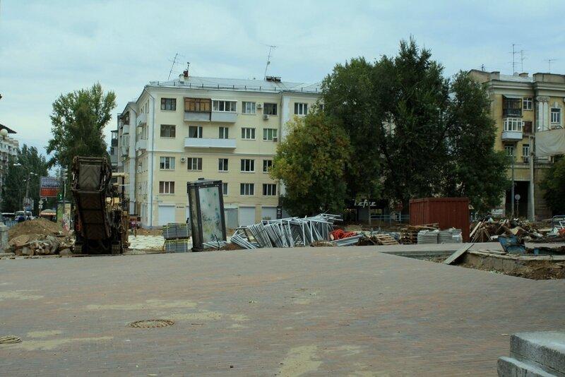 монумент и новосадовая 118.JPG
