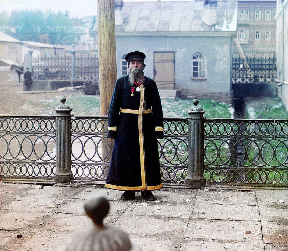 12. Городской служащий, 1907 год.