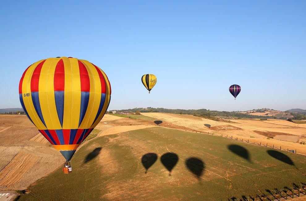 1 марта 1999 года на воздушном шаре был совершен первый беспосадочный кругосветный полет — 40