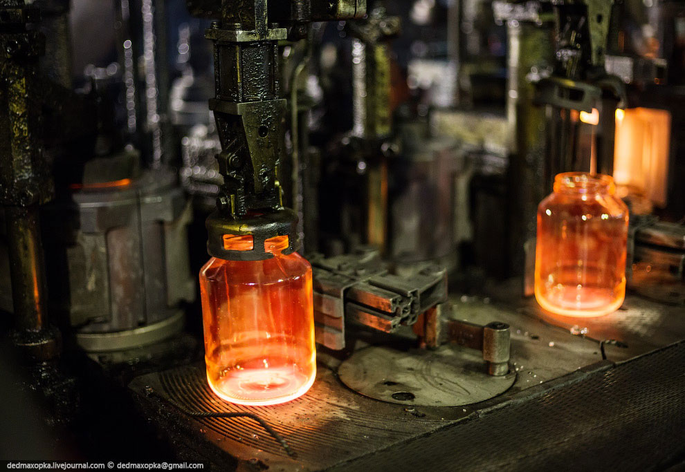 Водочные бутылки после отжига: