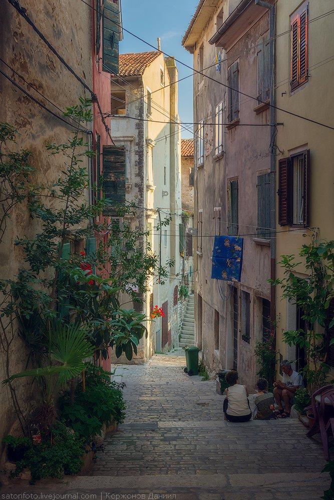 В начале 19 века город тоже никак не могут оставить в покое: сначала — падение Венецианской р