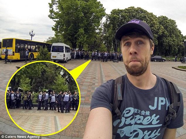 Когда в 2015 году Джек поехал в Украину, он оказался в центре протестов. Он стал свидетелем, как гру
