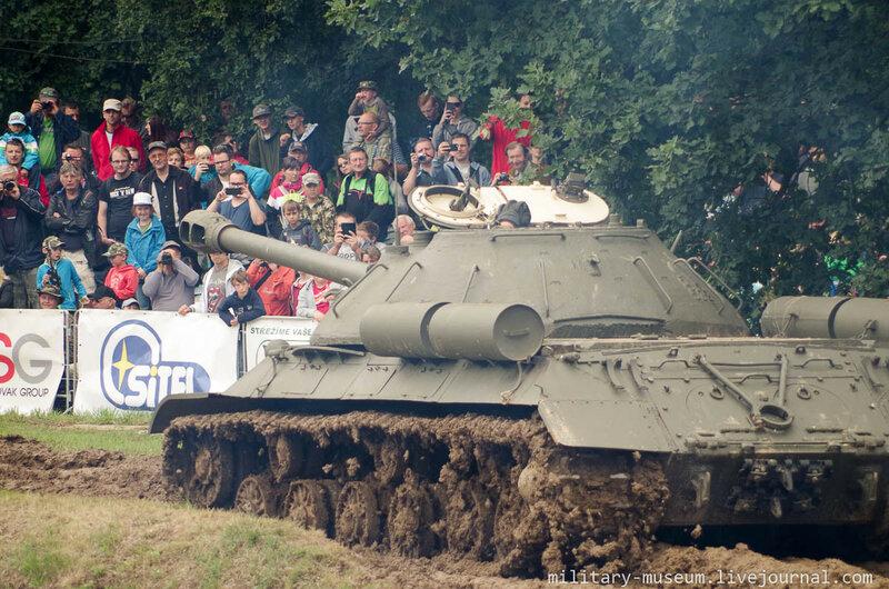 Танковый день в Военно-техническом музее Лешаны