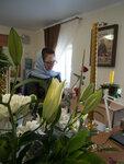 Флористы украсили икону к празднику Покрова Пресвятой Богородицы