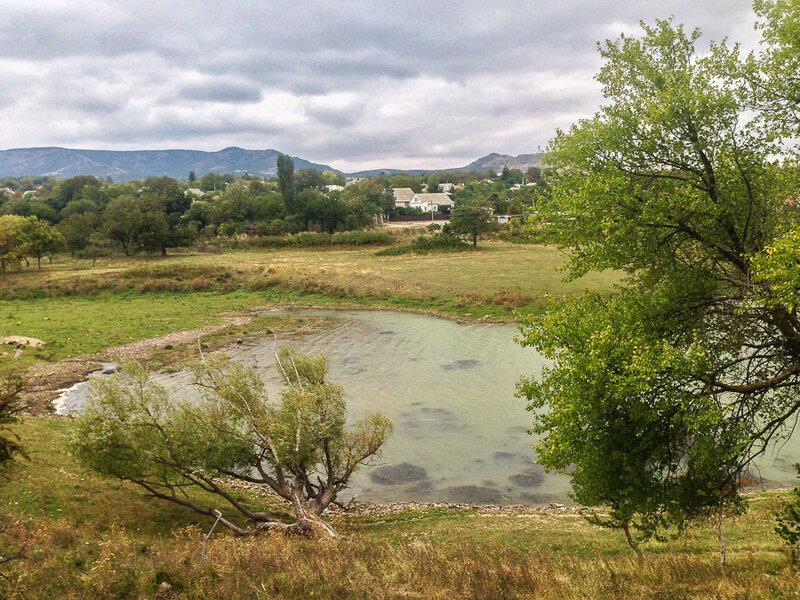 Вид на Старый Крым от водохранилища