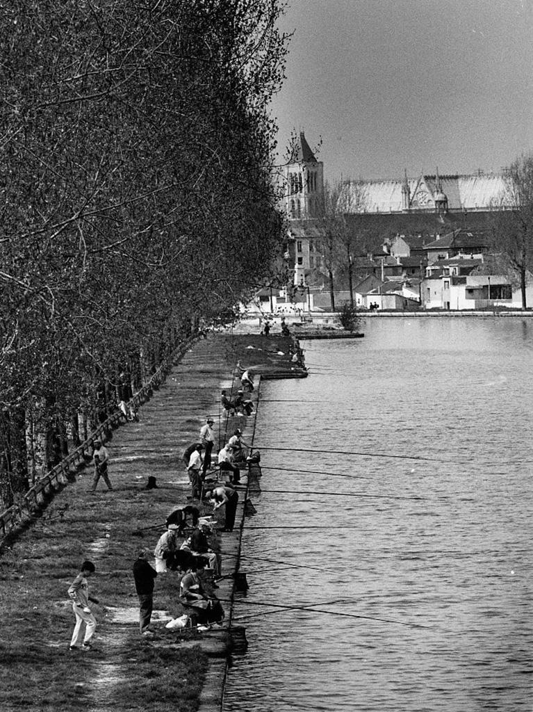 1987. Канал возле авеню Франсис де-Прессансэ