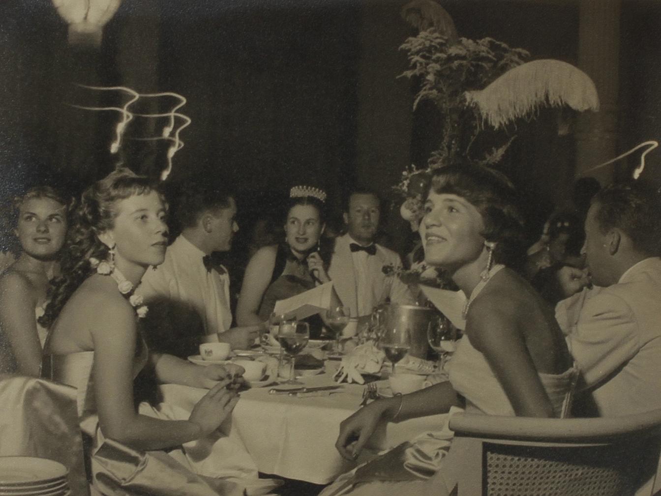 1950. Бал дебютанок
