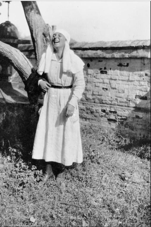 Наташа, сестра милосердия, работающая с III Донским корпусом, лето 1919
