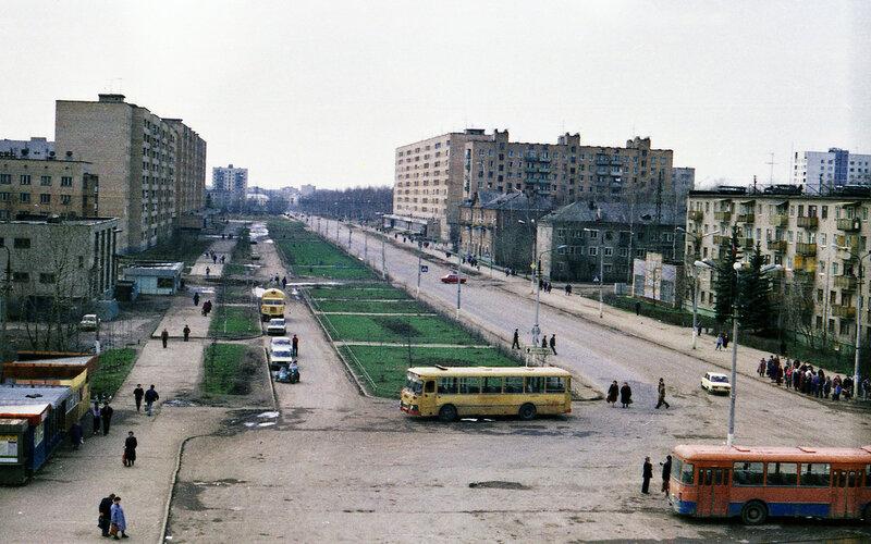 Лобня, привокзальная площадь, фото 1990г..jpg