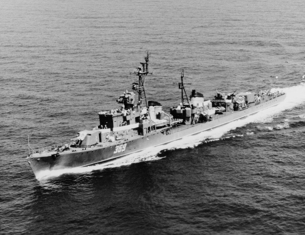 Soviet Destroyer SKORY Class, Wed, Aug 28, 1968.