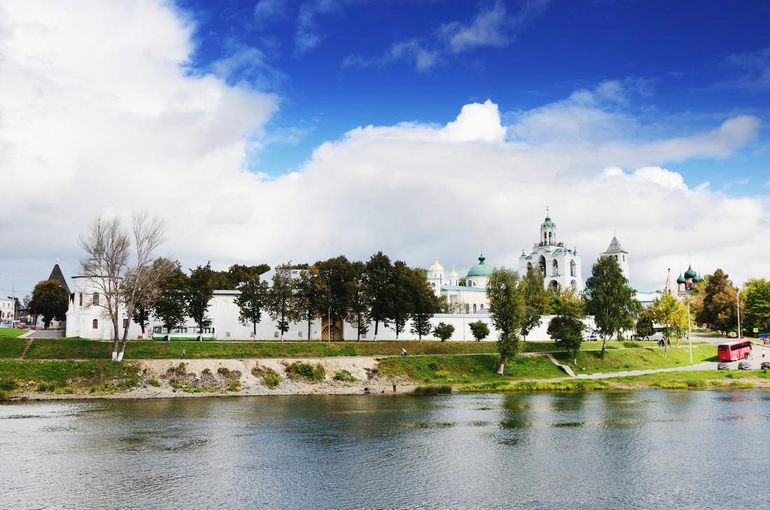 9. Ярославль (бюджет: 3 655 руб) Спасо-Преображенский монастырь – это главная достопримечательность