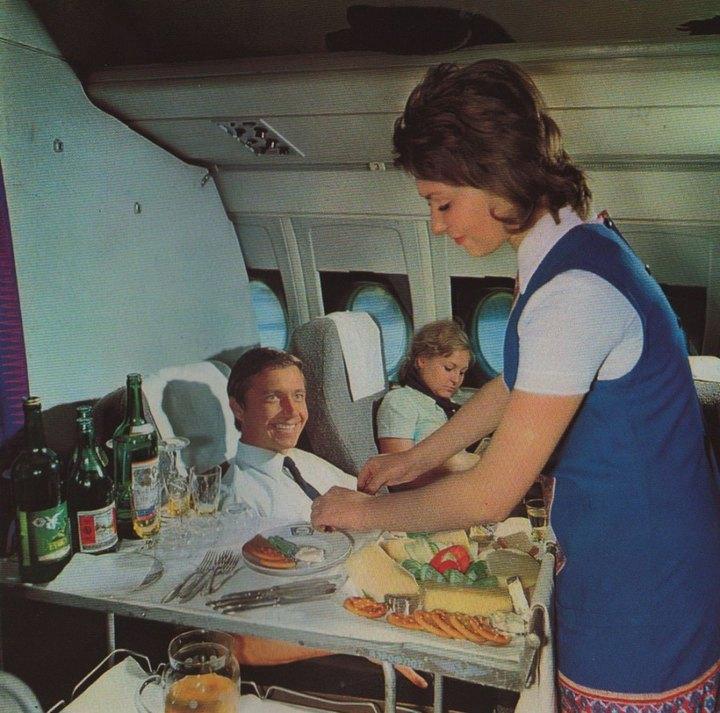 Что скрывалось за рекламой «Аэрофлота» времен СССР (15 фото)