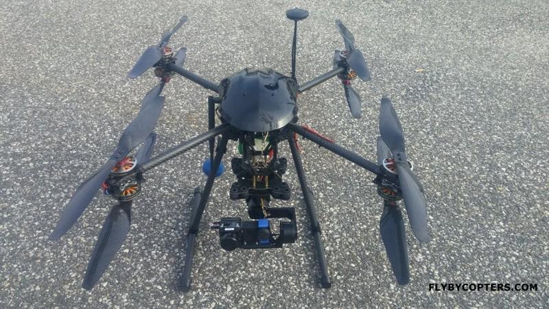 Модель оснащена тепловой камерой, которая позволяет вести съемку в темноте, автопилотом и GPS. С так