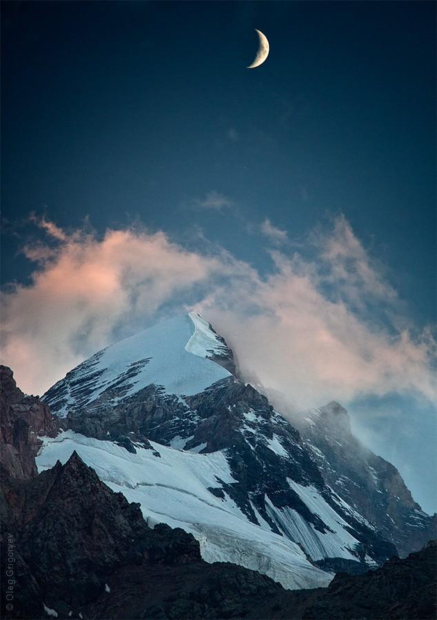 18. Вечером, сидя на камне и поглощая вкусный ужин, любуешься вот такими пейзажами. Вдохновляешься.