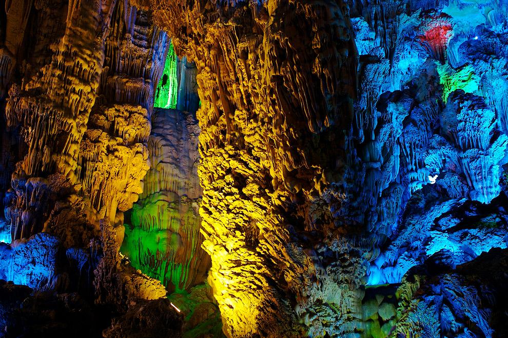 Подземное озеро: